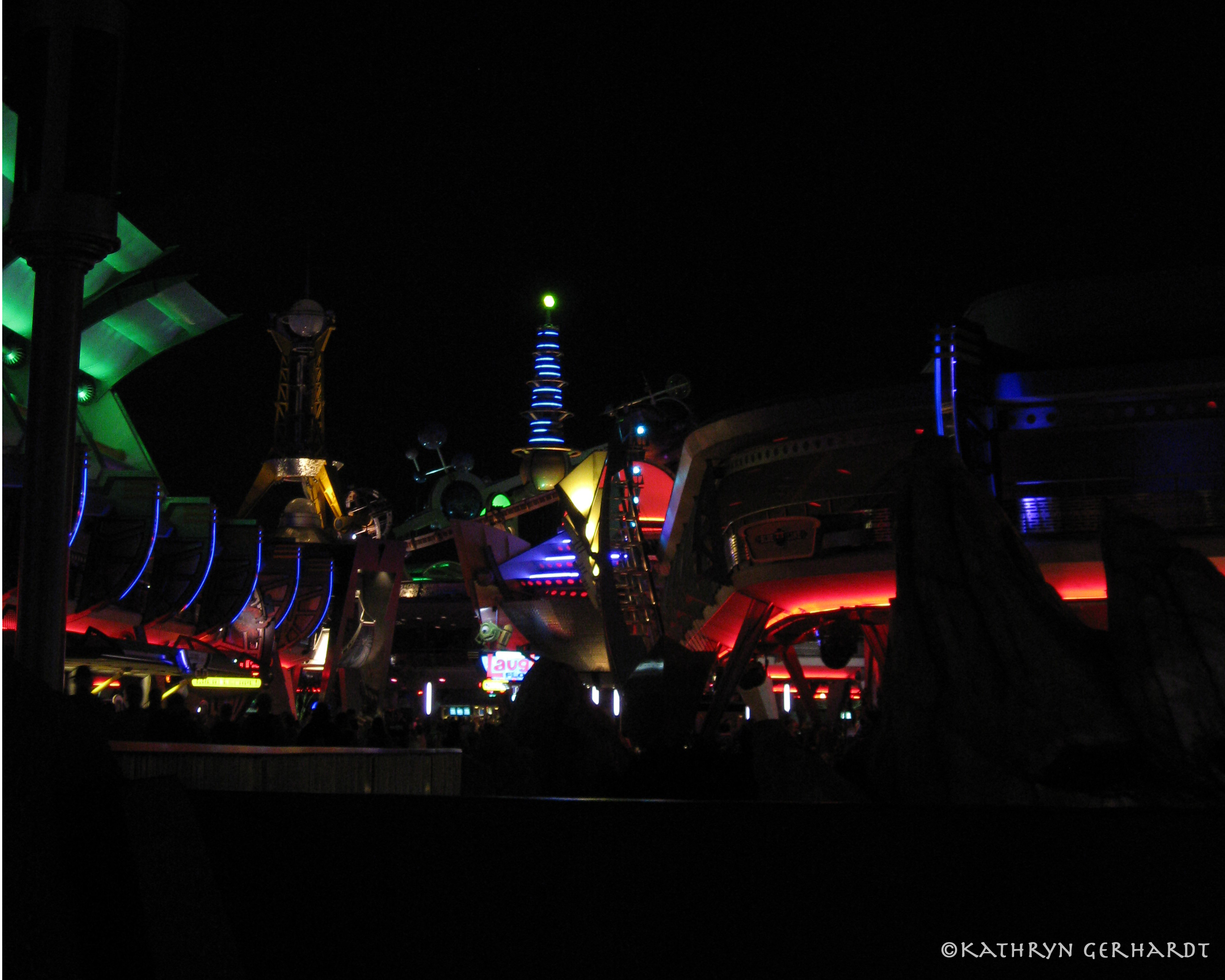 tomorrowland12709a.jpg